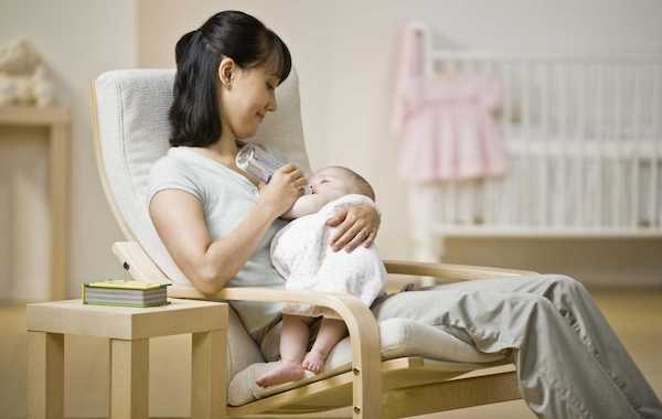 Top 5 Must-Haves for the Breastfeeding Mama - Comfortable Seat